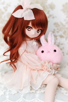 https://flic.kr/p/SvfT4N | Mikan-chan & Mysterious Fur-ball X | Some ppl said they look alike XD  Volks MDD DDH-01 (semi-white skin) Wig : LullabyPoem Eyes : Ronronshuka Outfit : DayDream