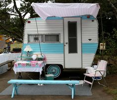 cute! Tiny Trailers, Camper Trailers, Vintage Travel Trailers, Vintage Campers, Gypsy Living, Camper Caravan, Hams, Camping Ideas, Glamping