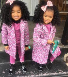Double the Joy.so Precious ✨✨ Black Kids Fashion, Tween Fashion, Women's Fashion, Twin Baby Girls, Cute Baby Girl, Beautiful Black Babies, Beautiful Children, Beautiful Eyes, Cute Twins