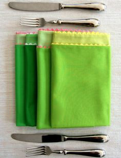 Make sweet napkins for Spring parties and 45 BEST Spring Party, Craft & Decor Tutorials EVER with their LINKS!!! GIFT, PARTY, EVENT, SPRING, WEDDING DECOR. Blog & Photos from MrsPollyRogers.com