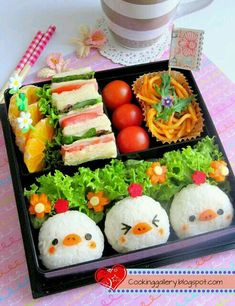 What's for lunch? lovely and delicious bento boxes too cute to eat What's for lunch? 25 lovely and delicious bento boxes too cute to eat Japanese Bento Box, Japanese Food Art, Bento Kids, Bento Food, Bento Box Lunch For Kids, Kawaii Bento, Whats For Lunch, Rilakkuma, Aesthetic Food
