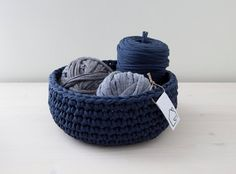 Blue crocheted basket - Made by Home Sweet Home Design (Etsy shop)