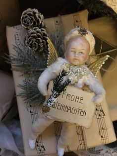 Antique Christmas Ornaments, Vintage Christmas Images, Christmas Tree Toy, Christmas Past, Victorian Christmas, Christmas Wrapping, Christmas Angels, Christmas Decorations To Make, Christmas Crafts