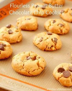 Flourless Peanut Butter Chocolate Chip Cookies from www.a-kitchen-addiction.com