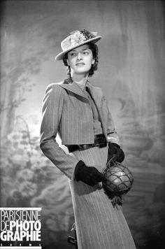 PARIS - DRESS ROBERT PIGUET    Dressmaker(suit) Robert Piguet. Paris, February, 1938