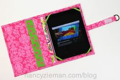 How to sew an iPad case for the car/Trace & Create Tablet Keeper Sewing Tutorials, Sewing Ideas, Sewing Crafts, Sewing Projects, Sewing Patterns, Projects To Try, Diy Crafts, Sewing With Nancy, Sewing For Kids