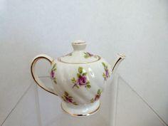 """Sadler English 3"""" Teapot *SOLD*"""