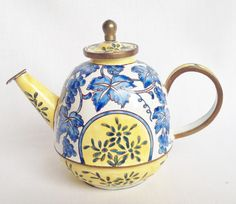 Spode Caneware teapot by Charlotte di Vita