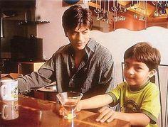 A cute photo of Shahrukh Khan and Aryan