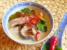 Izu, Thai Red Curry, Chili, Toms, Ethnic Recipes, Cilantro, Chile, Chilis