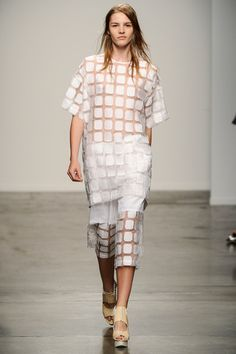 Jeremy Laing Spring 2014 Ready-to-Wear Collection Slideshow on Style.com