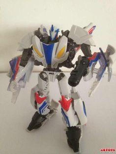 "Transformers Prime ""Beast Hunters"" Smokescreen"