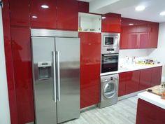 Resultado de imagen de cocinas pequeñas en u Decor, Home Appliances, Stacked Washer Dryer, Appliances, Washer And Dryer, Kitchen Cabinets, Cabinet, Home Decor, Kitchen