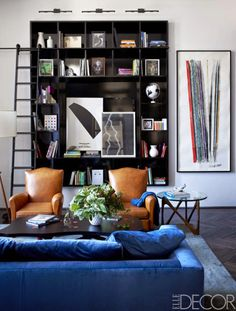 Absolutely can't get enough of cognac leather & velvety blue combos. How strong & wonderful!