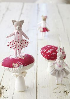 Toys with their own hands - toys with their own hands Cute Crafts, Crafts To Make, Arts And Crafts, Handmade Soft Toys, Handmade Dolls, Doll Maker, Sewing Toys, Soft Sculpture, Diy Toys