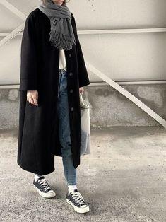 #acotarawear #apcecharpe #cotaraapc #femmecota_ra A.P.C.のストール/スヌードを使ったコーディネート A.P.C.のストール/スヌード「ECHARPE FEMME 15A」を使ったcota_raのコーディネートです。WEARはモデル・俳優・ショップスタッフなどの着こなしをチェックできるファッションコーディネートサイトです。A.P.C.のストール/スヌード「ECHARPE FEMME 15A」を使ったcota_raのコーディネートです。WEARはモデル・俳優・ショッ... Korean Winter Outfits, Winter Mode Outfits, Winter Fashion Outfits, Denim Fashion, Look Fashion, Hijab Fashion, Korean Fashion, Autumn Fashion, 70s Outfits
