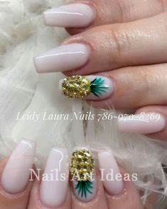 Wedding Nail Designs For Bridesmaids. Setting up the perfect nail cutting and nail art style isn't simply about coloration or style. Crazy Nail Designs, Diy Nail Designs, Acrylic Nail Designs, Pineapple Nail Design, Pineapple Nails, Perfect Nails, Gorgeous Nails, Cute Nails, Pretty Nails