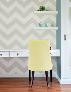 Papel de Parede de chevron! Na cor beje ou marrom claro, pensei em colocar na parede lateral da sala de jantar ate a porta de entrada!