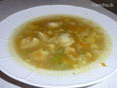Jednoduchá polievka s krupicovými haluškami (fotorecept)