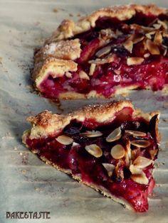 Wiejska tarta ze śliwkami Baking Recipes, Cake Recipes, Dessert Recipes, Vegan Recipes, Polish Desserts, Good Food, Yummy Food, Sweet Tarts, How Sweet Eats