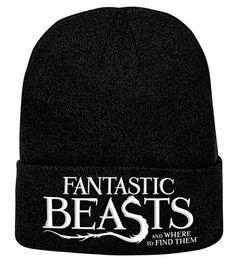 Gorro Animales fantásticos y dónde encontrarlos. logo  Gorro de algodón, tipo beanie, con el logo del film  Animales fantásticos y dónde encontrarlos, dentro del universo Harry Potter.