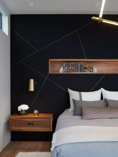 Black accent wall brings a touch of refinement to the contemporary bedroom - Black accent wall brings a touch of refinement to the contemporary bedroom - Feature Wall Bedroom, Accent Wall Bedroom, Feature Walls, Black Accent Walls, Black Walls, Black Accents, Contemporary Bedroom, Modern Bedroom, Contemporary Kitchens