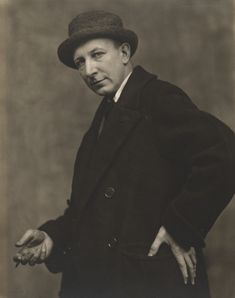 """Photo Nickolas Muray, 1920s, George Bellows(1882-1925, American), Gelatin silver print, 10 x 8"""", MOMA. © 2018 Nickolas Muray Photo Archives George Bellows (1882–1925, American), Oct. 1909, Both Members of This Club, Oil on canvas, 115 x 160.5 cm, National Gallery of Art. George Bellows was a realist painter, known for his bold depictions of urban life in New York City, becoming, according to the Columbus Museum of Art, """"the most acclaimed American artist of his generation"""". The Ash Can…"""