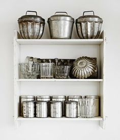 Tara is always looking for vintage kitchen finds in the novel Shabby Chic at Heart. Kitchen Items, Kitchen Utensils, Kitchen Tools, Kitchen Dining, Kitchen Ware, Nice Kitchen, Kitchen Decor, Vintage Baking, Vintage Tins