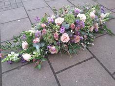 Diy Flower Arrangements For Funeral, Funeral Spray Flowers, Funeral Sprays, Large Flower Arrangements, Flower Bar, Cut Flower Garden, Diy Flowers, Fresh Flowers, Florist London
