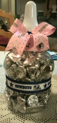 a785b0de760 Cowboys baby shower games. Can you guess the number of candies in the bottle ?