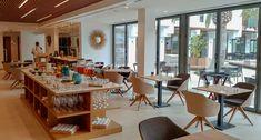 Mallorcan paras uusi hotelli | Hotel Blogger | Timo Kiviluoma | Finland Award Winner, 5 Star Hotels, Finland, Conference Room, Table, Furniture, Home Decor, Majorca, Decoration Home