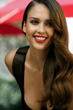 Jessica Alba's Side-sweep Long Wavy Hairstyle #hair #LBD