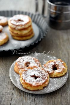 Jabłka w cieście Desserts Menu, Dessert Recipes, Vegan Recipes, Cooking Recipes, Sweet Cakes, Best Breakfast, Snacks, Catering, Sweet Tooth