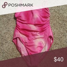 Miraclesuit size 14 Pretty pink Swim One Pieces