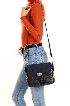 www.hlfshoes.com Marc Jacobs, Bags, Fashion, Handbags, Moda, La Mode, Dime Bags, Fasion, Lv Bags