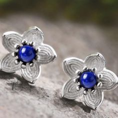 Material - high quality of sterling silver 925 with stamp. Color - silver sterling and blue. Flower Stud, Blue Flowers, Studs, Sapphire, Women Jewelry, Stud Earrings, Gemstones, Sterling Silver, Natural