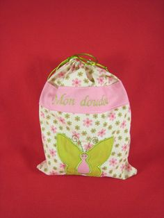 Sac à doudou personnalisé Drawstring Backpack, Creations, Backpacks, Clothes Crafts, Softies, Gifts, Bags, Drawstring Backpack Tutorial, Backpack