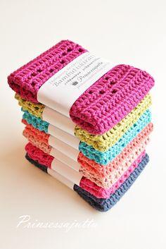 Princess Story: Crochet dishcloths 6 times (use translator) Crochet Kitchen, Crochet Home, Diy Crochet, Hobbies And Crafts, Diy And Crafts, Crochet Dishcloths, Handicraft, Diy Gifts, Christmas Diy
