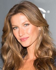 """""""It's very natural-looking and warms up her skin,"""". Ask your colorist for a light brown base with highlights a few shades lighter added to give it dimension: """"We don't go much further than her natural color fair skin - gisele bundchen: golden brown hair Golden Brown Hair Color, Hair Colour For Green Eyes, Hair Color For Fair Skin, Red Hair Color, Light Brown Hair, Hair Color Balayage, Cool Hair Color, Brown Hair Colors, Green Hair"""