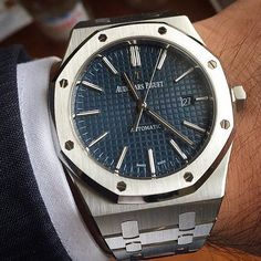 _____________________________________________________  AP Royal Oak Ref: #15400ST #15400 #41mm _____________________________________________________  All credits goes to photographer/ owner @ptk_phlpp  Tag your photos with:  #audemarspiguet_fans  #audemarspiguet #ap #audemars #piguet #watch #ap_gallery #luxury #platinum #chronograph #tourbillon #gold #offshore #quality #steel #chrono #bezel #diamond #woman #timepiece #royaloak #perpetual #pinkgold #watchoftheday #wristporn #dailywatch…
