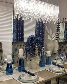 Blue Living Room Decor, Dining Room Blue, Dining Room Table Decor, Glam Living Room, Elegant Dining Room, Luxury Dining Room, Beautiful Dining Rooms, Dining Room Design, Living Rooms