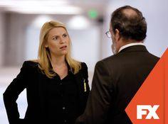 Saul tenta entender a atitude de Carrie.  Homeland - Final de temporada  #HomelandBR  Confira conteúdo exclusivo no www.foxplay.com