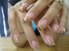 Resultado de imagen para uñas de acrilico doradas