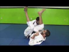 Triangle Choke Defense Counter Feat BJJ World Champion Evandro Nunes Judo, Jiu Jitsu Techniques, Self Defense Techniques, Brazilian Jiu Jitsu, Rash Guard, Alter, Mma, Martial Arts, Counter