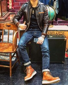 Best Leather Jackets, Leather Jacket Outfits, Men's Leather Jacket, Outfits For Big Men, Look Street Style, Red Wing Boots, Smart Outfit, Mens Boots Fashion, Workwear Fashion