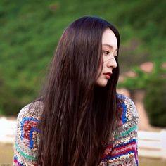 Krystal Jung, Jessica Jung, Landscape Wallpaper, Mamamoo, Besties, Actors & Actresses, Kpop, Long Hair Styles, Crystals