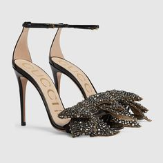 Gucci Patent leather sandal with removable crystal bow Detail 6