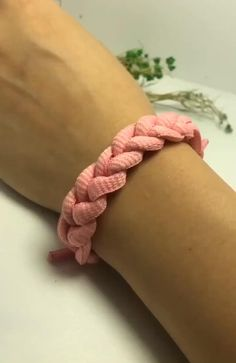 Rope Crafts, Diy Crafts Hacks, Diy Crafts Jewelry, Diy Crafts For Gifts, Bracelet Crafts, Diy Friendship Bracelets Patterns, Diy Bracelets Easy, Handmade Bracelets, Rope Bracelets