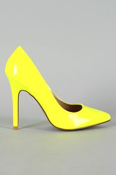 Qupid Potion-01 Neon Pointy Toe Pump