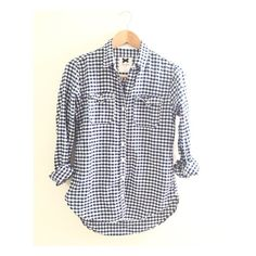 Gilly hicks plaid shirt. I only wore couple of times. It's size XS but fits a like medium. No trade✖️Will consider reasonable offers Gilly Hicks Tops
